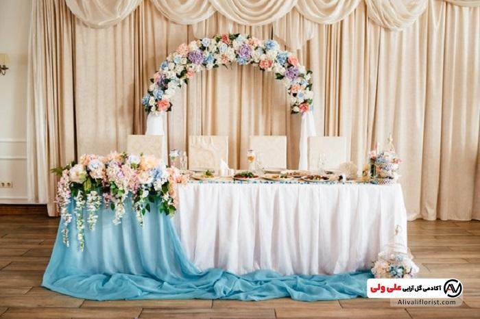 نمونه میز گل آرایی شده برای عروسی