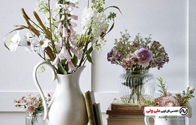گلدان مصنوعی در خانه