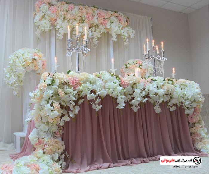 میز آرایی و گل آرایی روی میز